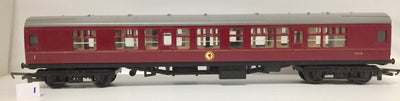 2H:  1. Tri-ang OO/HO BUILT IN BRITAIN ORIGINAL MODEL IN GOOD CONDITION 2nd HAND PASSENGER CAR