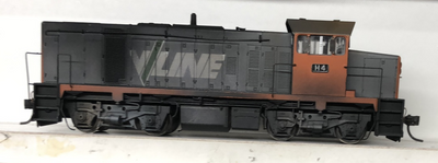 H4 - 2ND HAND - AUSTRAINS V/LINE H4 heavy weathered model Locomotive in good condition run well. Note 1 handrail on front missing