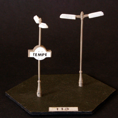 Uneek 113: HO Gauge Railway: Accessories: Cast Base Double Light & Plaque: Pkt 2: No. 113