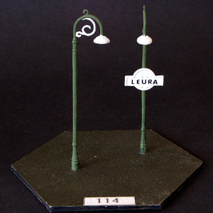 Uneek 114: HO Gauge Railway: Accessories: Single Scroll Top Light: Pkt 3: No. 114
