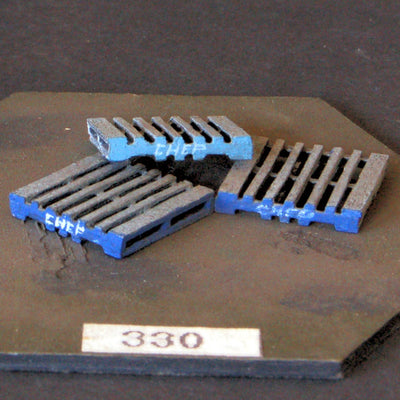 Uneek 330: HO Gauge Railway: Accessories: Fork Lift Pallets: Pkt 3: No. 330