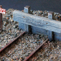 Uneek 543: HO Gauge Railway: Accessories: Capped Timber Buffer : Pkt 1: No. 543