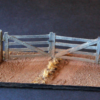 Uneek 610: HO Gauge Railway: Accessories: Wooden Farm Gate Pkt: 2:  No. 610