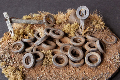 Uneek 810: HO Gauge Railway: Accessories: Old Car Tyres: Pkt 8: No. 810