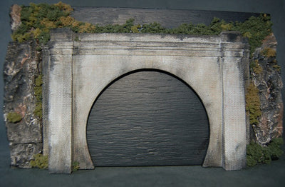 Uneek 852: HO Gauge Railway: Tunnel Portal for twin tracks (plaster): Pkt 1: No. 852