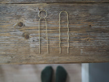 Load image into Gallery viewer, Roake Lizzy Minimal Brass Hair Pin - Wavey