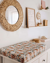 Load image into Gallery viewer, Snuggle Hunny Kids Bassinet Sheet/Change Pad Cover
