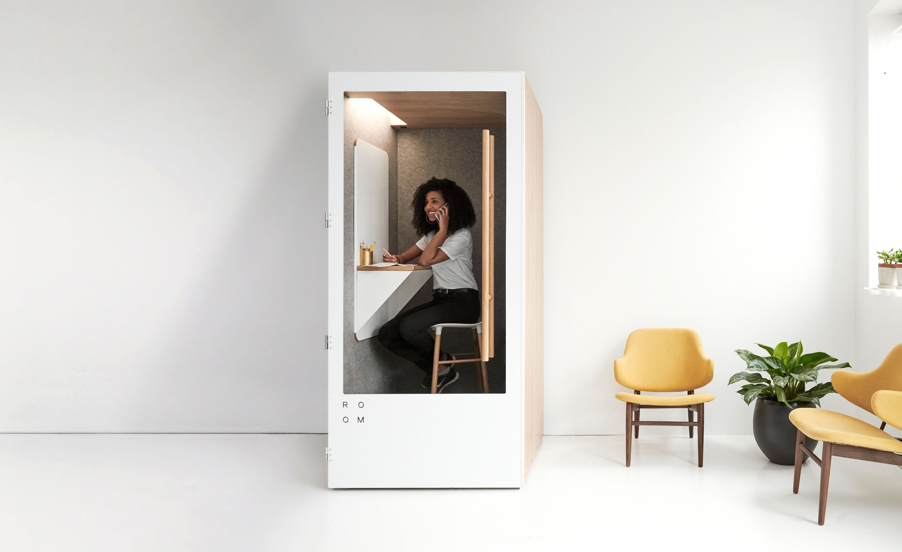ROOM | Soundproof Phone Booths For The Open Office