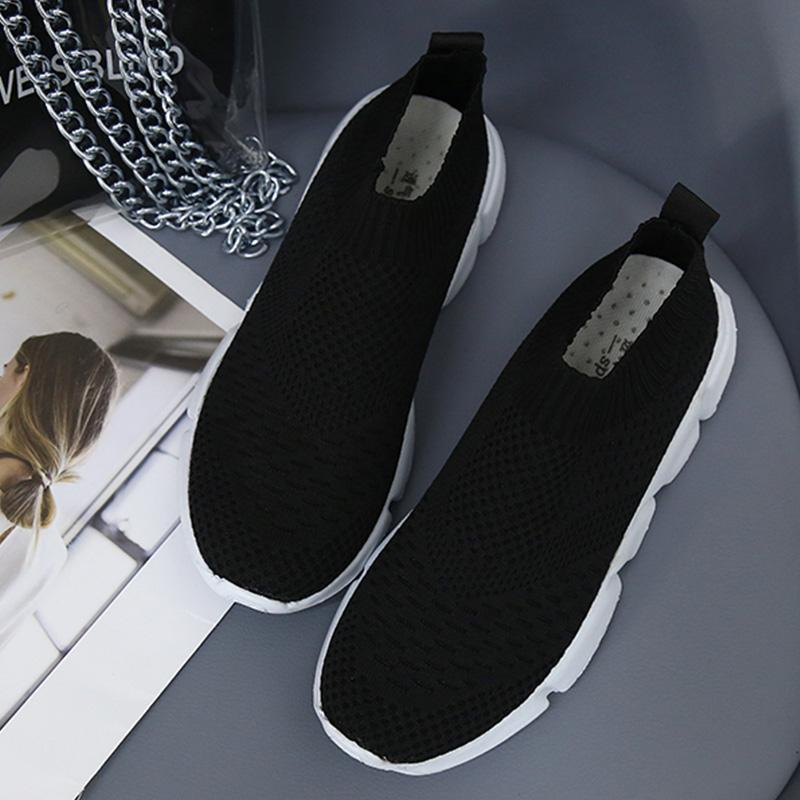 Well-ventilated Mesh Surface Slip-on Flat Shoes