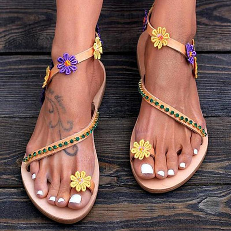 Stud Flower Trim Filp-flop Sandals