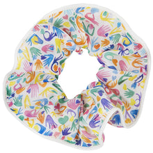 chouchou soi motifs coeurs sur la main multicolore jaune bleu vert rose orange violet liseré blanc accessoires cheveux scrunchie accessories hair border white reasons hearts on the hand Multicolored multicolore pink green blue yellow purple