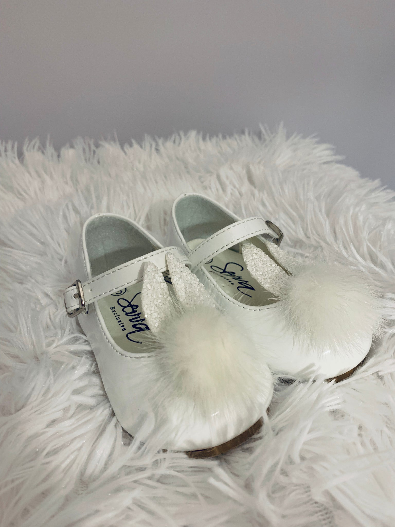 559743270 ... Load image into Gallery viewer, Sevva White Bunny Shoe ...