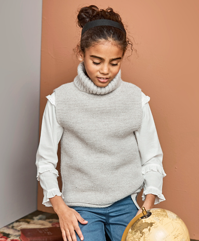 Bonnet a Pompon Taupe Turtleneck - Eat Play Love