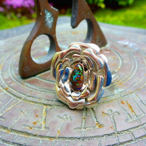 flowerofkoroit-autralianopal-bespoke-custom-luxury-ethical-sustainable-organic-fairtrade-sundial-rings-matrixopal-jewelry-cicelycliff