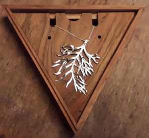 Railway Leaf Necklace