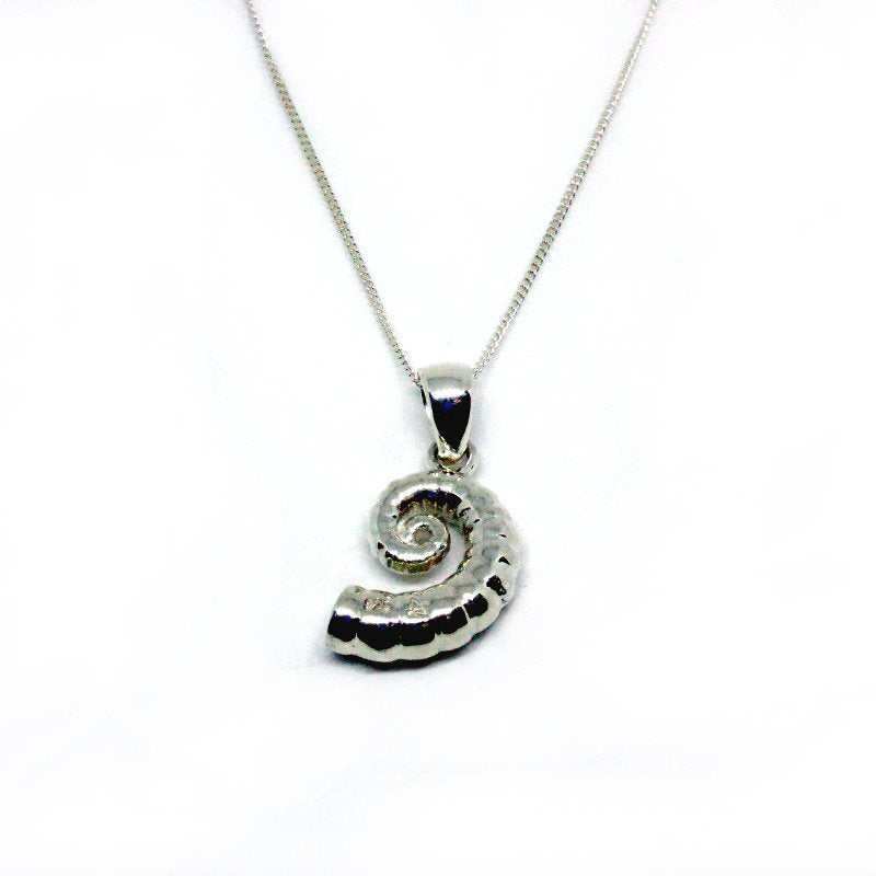 ammoniteheart-ammonite-seashell-ocean-heirloom-necklace-cicelycliff-ethical-luxury-sustainable-jewelry-bespoke