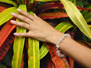 Exclusive Luxury Sustainable Silver Gecko Tiptoes Bracelet
