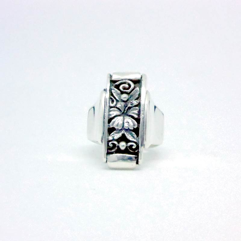 Luxury Sustainable Silver Hibiscus Perfection Ring