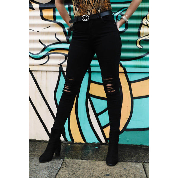 Javana Skinny Black Jeans -you will find it only at madeleine grace the label Store.