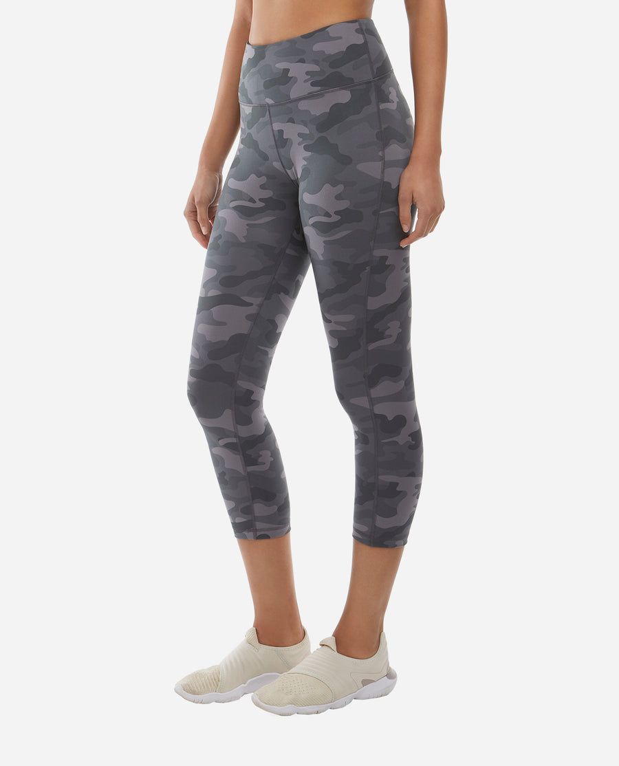 Mid-Rise Camo Cropped Legging