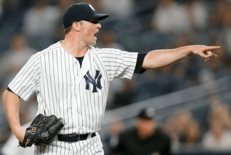 Zach Britton returns to Yankees on 3-year contract