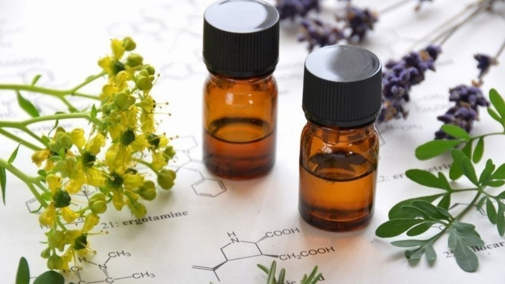 Aromatherapy Essential Oil Quick Reference Guide | Essential Oil Properties