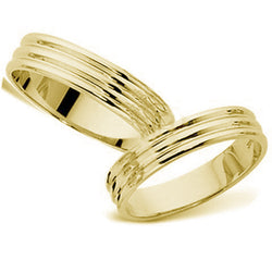 18kt Gold His and Hers Traiad Wedding Band set