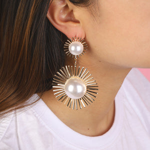 Fashion Inlaid Pearl Temperament Sun Flower Personality Earrings