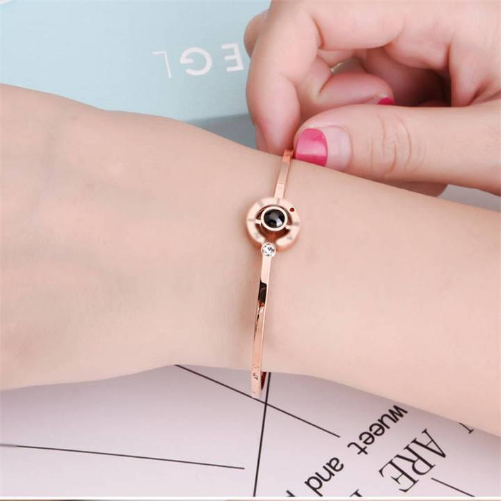 "Bracelet ""Je t'aime"" en 100 Langues Madame Cosmetique Or Rose"