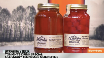 Kick Back & Enjoy an Ole Smoky Moonshine | Bloomberg TV