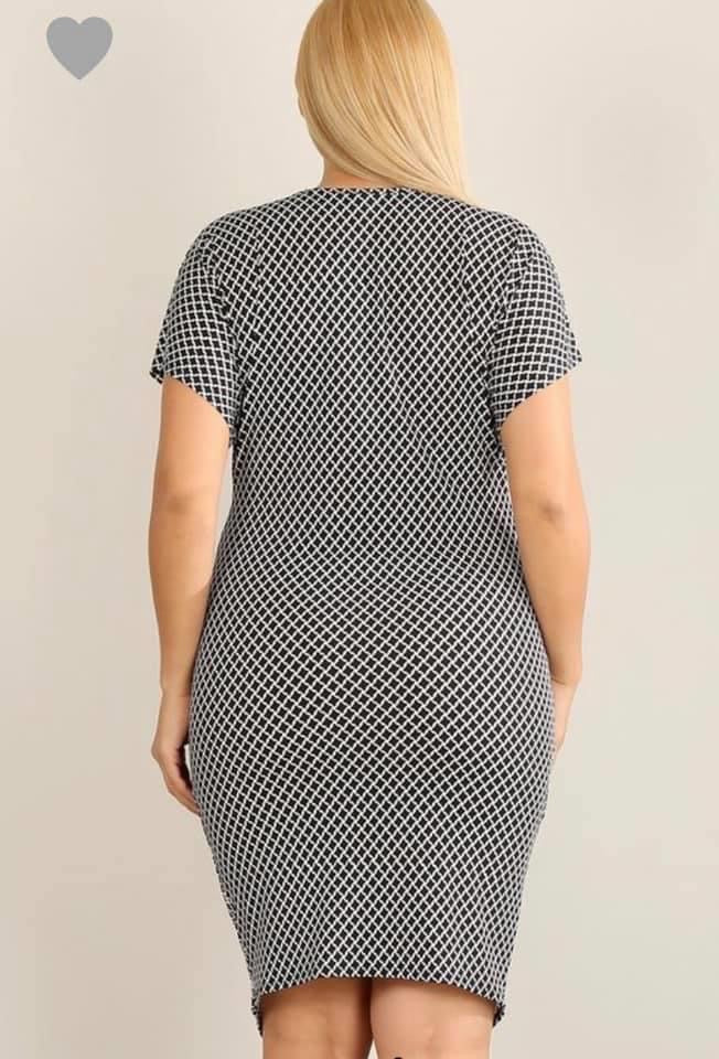 PLUS SIZE Black and White Pattern Front Twist Dress