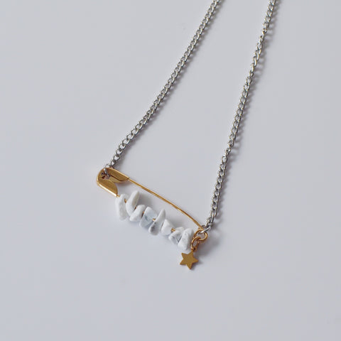 THE MARBLE STONES SAFETY PIN NECKLACE / CHOCKER