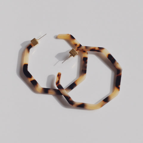 THE DEVRI TORTOISE HOOP (2 colors)