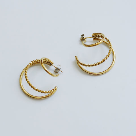 THE LARGE TWIST MULTI HOOPS
