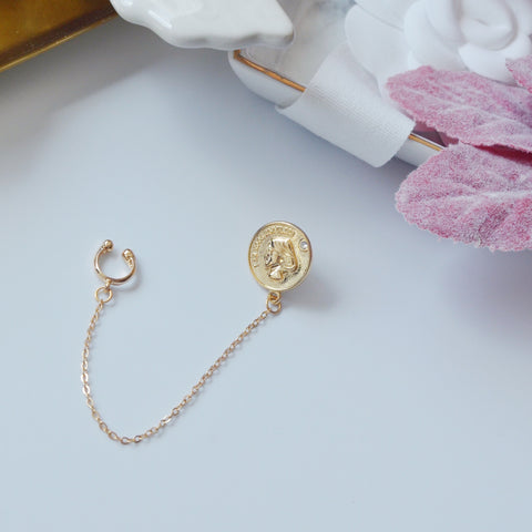 ONE PIECE - THE RETRO GOLDEN CHAIN COIN EAR CUFF / EARRING