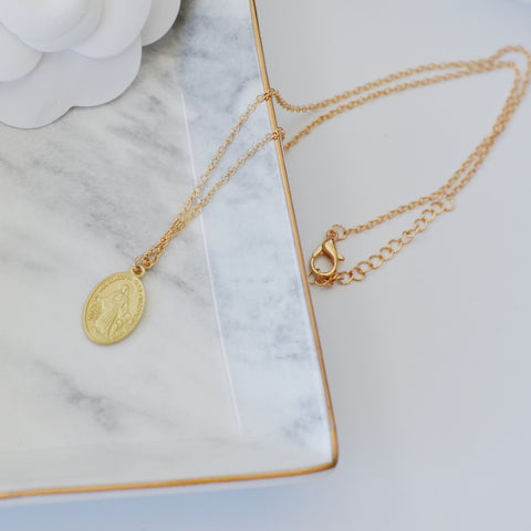 THE MATTE GOLD MARY COIN NECKLACE
