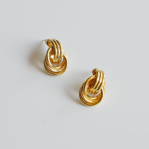 THE MINIMALIST LINKED HOOP STUD EARRINGS