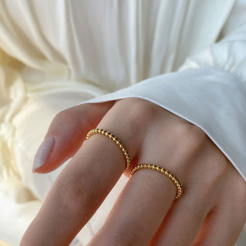 THE SMALL BOBBLE STACKING RING
