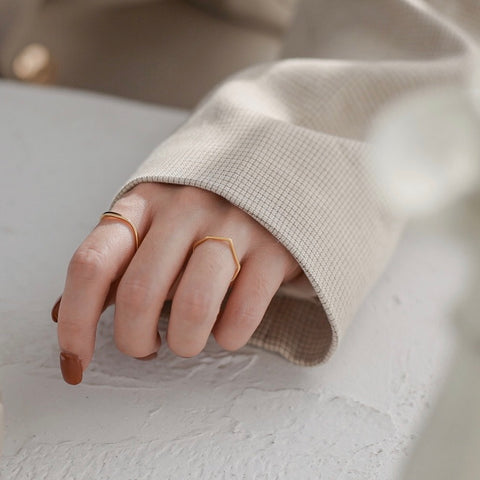 THE WAVE STACKING BAND RING