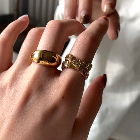 THE HERRINGBONE SOFT CHAIN WRAP RING