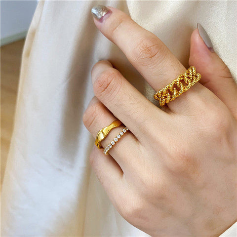 THE SOFT CHAIN BAND RING