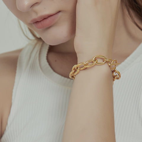 THE BOLD CHUNKY CHAIN BRACELET
