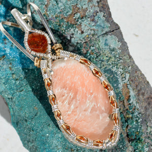 Scolocite and 13 Hessonite Garnets Wire Wrap Pendant