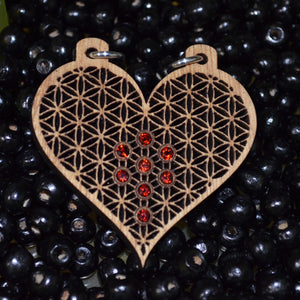 Heart of Life 8x Garnet Gemlord Space Cruiser Pendant