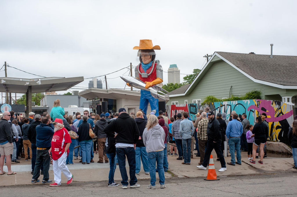 Gallery: 21-foot space cowboy Buck Atom sculpture installed on Route 66