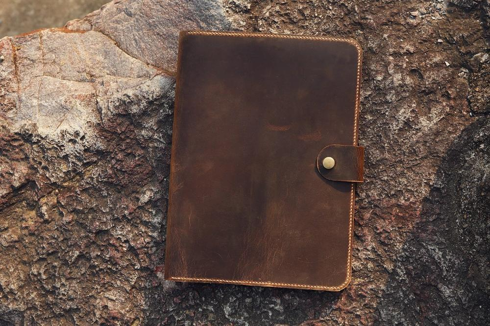 "Vintage Style Distressed Leather 8.5"" x 11"" Notepad Organizer - Vintage Rebellion"