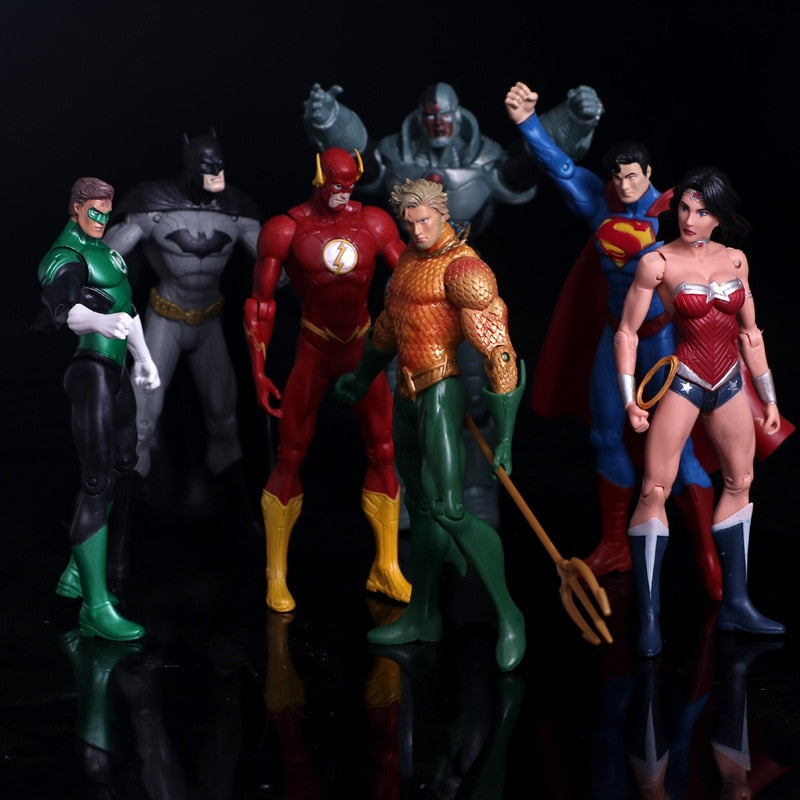 Anime Figure Superheroes Batman Green Lantern Flash Superman Wonder Woman PVC Action Figures Kids Toys Dolls Model 17cm Picture - Magical Emporium