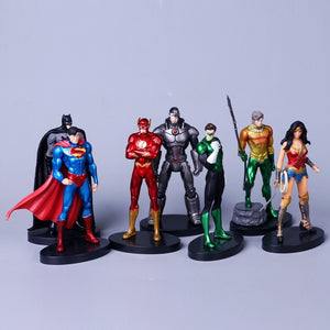 Huong DC Superheroes 7pcs/set Superman Batman Wonder Woman The Flash Green Lantern Aquaman Cyborg Model Toys Collectible Figure Picture - Magical Emporium