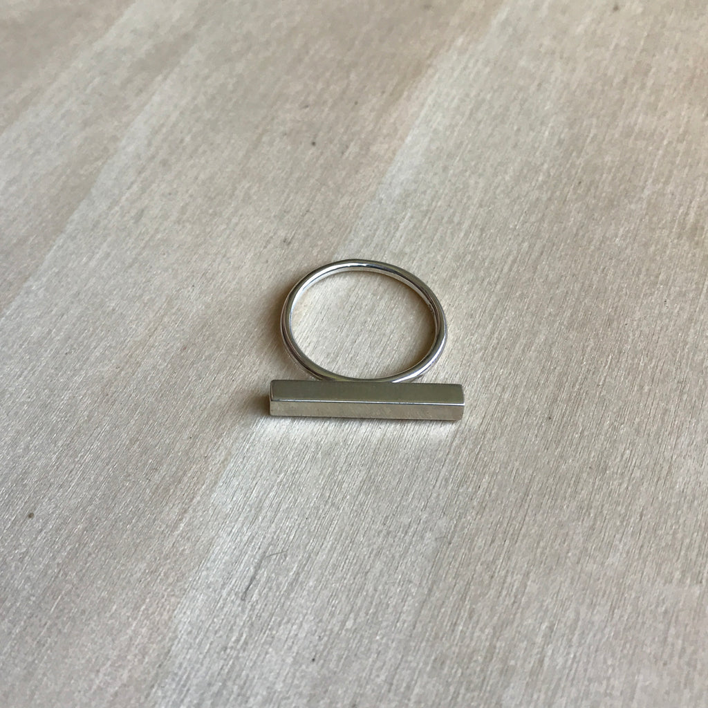 Horizontal Square Tube Ring