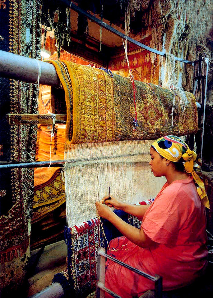 0fe9eb6028e3 Rug weaving requires a stronger loom and a larger workspace than normal  handweaving. Location  Morocco